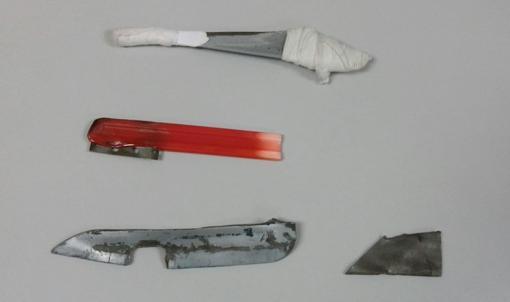 Pinchos intervenidos en Puerto III. Abajo a la derecha, fleje similar al que utilizó Fabrizio en el ataque por el que ha sido denunciado.