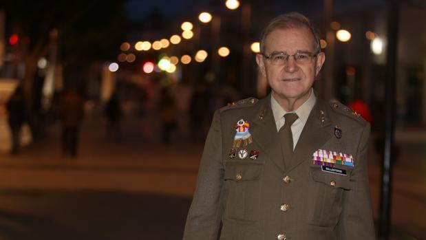El general Ballesteros en San Fernando el pasado mes de marzo.