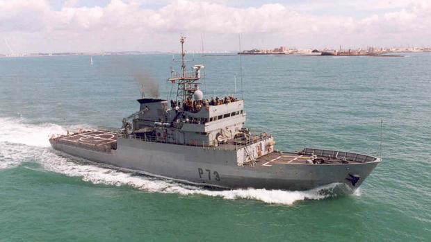 El patrullero de altura 'Vigía' coordina la llegada a Valencia con el el patrullero italiano 'Orione'.