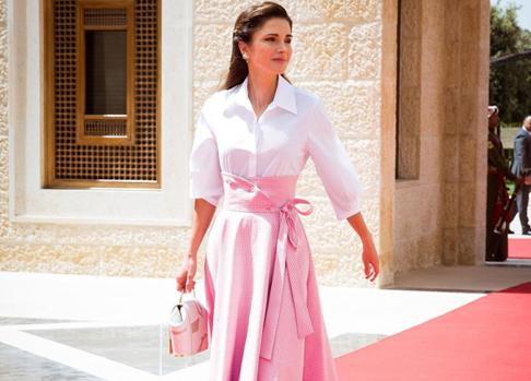 Rania de Jordania, con un OneSixOne.