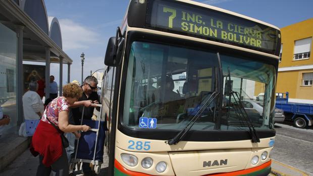 La eliminación de aparcamientos o el cambio de itinerarios del autobús, entre los cambios.