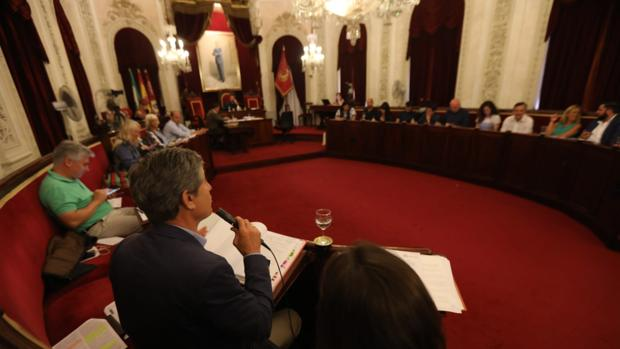 El portavoz de Ciudadanos, Juan Manuel Pérez Dorao, en un momento del pleno de este viernes.