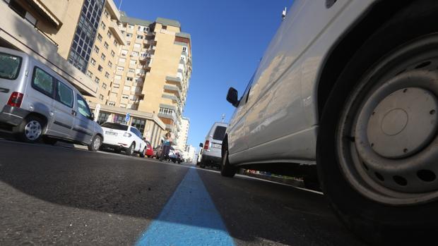 La Zona Azul comienza a funcionar en el Paseo Marítimo de Cádiz