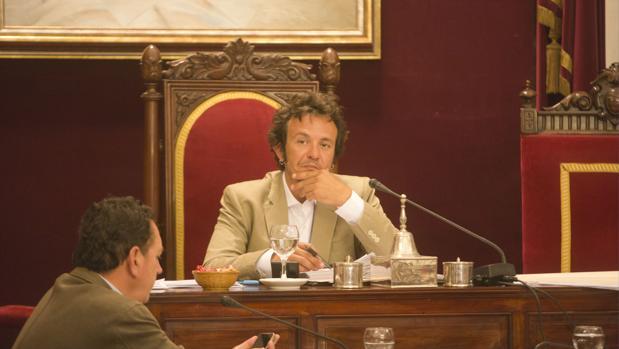 Los grupos consideran que la presencia del alcalde en este debate es fundamental.