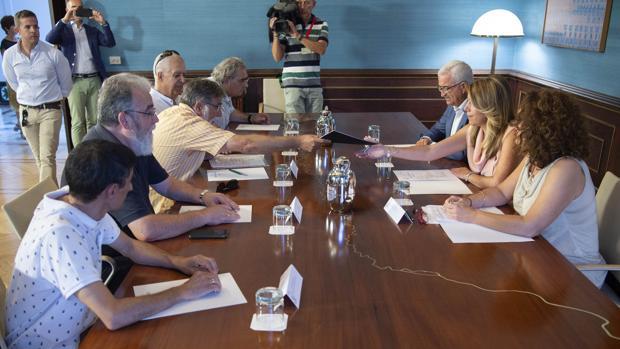 La presidenta de la Junta se reunió en SanTelmo con el comité de empresa de Navantia enPuerto Real