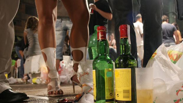 El sindicato también denuncia que están proliferando los botellones en otras zonas de la ciudad.