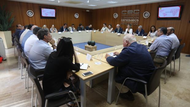 La reunión se celebró en la sala de Juntas de la Confederación de Empresarios de Cádiz