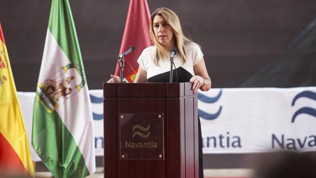 La presidenta de la Junta, Susana Díaz, durante la entrega el martes del segundo petrolero