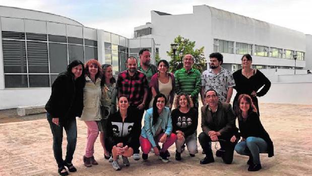 Puy Oria y Bruto Pomeroy con los alumnos de la Escuela de Cine de la UCA en el campus de Jerez