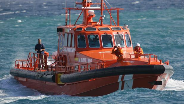 Crecen las guardias con un único controlador de Salvamento Marítimo en Cádiz.