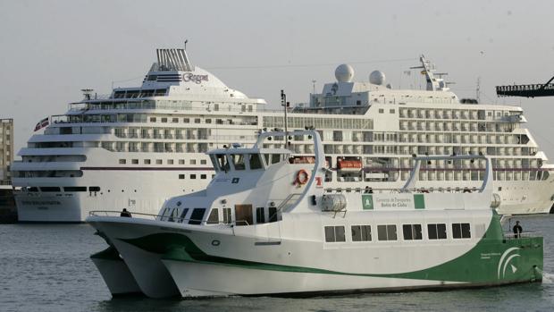 Este mes de agosto habrá paros parciales y uno total en los catamaranes de la Bahía de Cádiz.