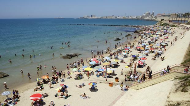 Las playas de la provincia estarán a rebosar de turistas en agosto