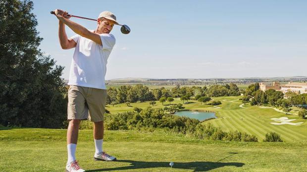 El golf es un deporte ideal para relajarse en medio de las vacaciones