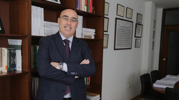 Pascual Valiente, decano del Colegio de Abogados de Cádiz.