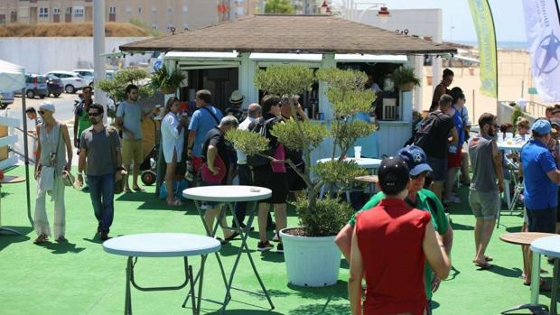 Los hosteleros y el PSOE pidieron información sobre la presunta venta y consumo de alcohol en las instalaciones de 'Cádiz Arena'.