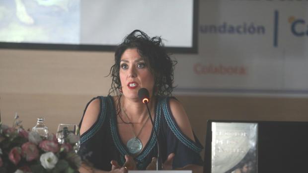 Eva Díaz Pérez en un momento de la conferencia.