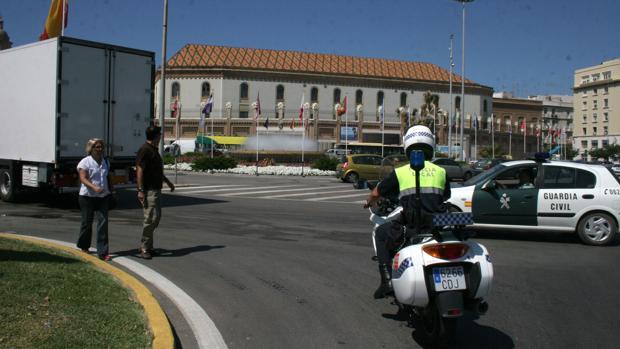 Agentes de la Policía Local y la Guardia Civil de Cádiz deben extremar las medidas de autoprotección
