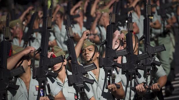 Legionarios desfilando el Día de la Fiesta Nacional.