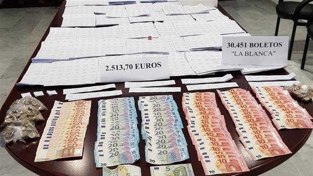 La Policía incauta en Cáadiz el 98% de los boletos ilegales de Andalucía.