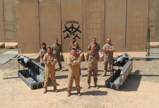 Foto de familia de los efectivos humanos y materiales de la Undécima desplegados en Irak.
