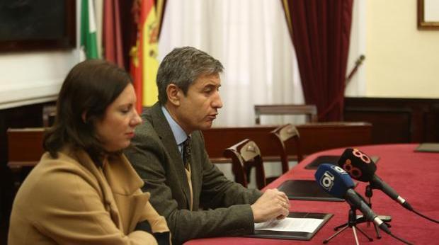 Juan Manuel Pérez Dorao y María Fernández-Trujillo, concejales de Ciudadanos en el Ayuntamiento de Cádiz