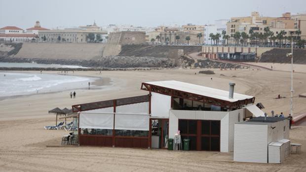Uno de los chiringuitos de las playas de Cádiz