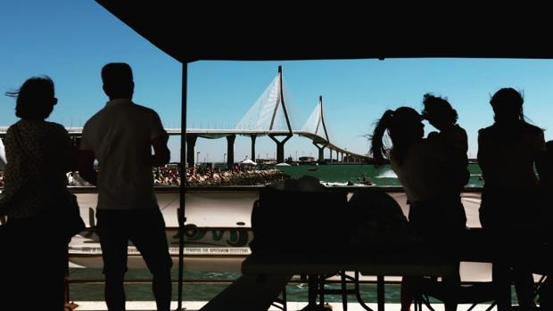 El nuevo puente de la Constitución de 1812 se ha convertido en un icono en la ciudad.