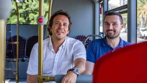 El alcalde y el concejal de Transportes y Movilidad
