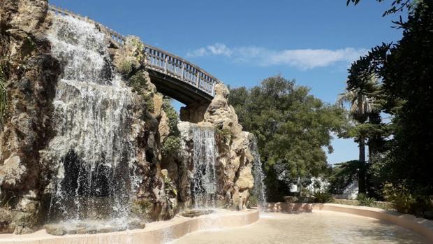 La cascada del parque Genovés, en casa.
