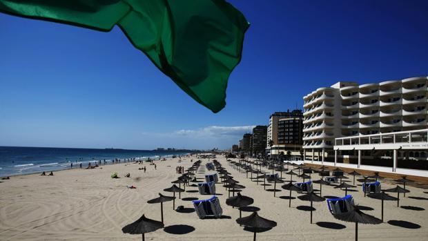 El PP cree que la playa está más sucia que antes de la municipalización.