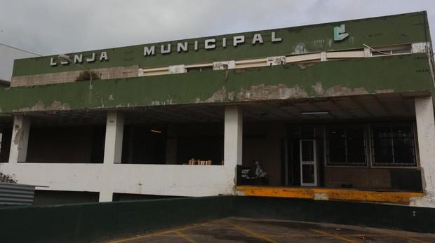 Los mayoristas reclaman el traslado de la lonja a Ibérica Aga.