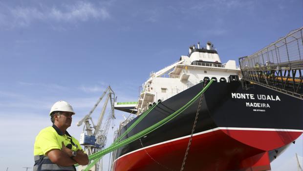 Primer petrolero de la nueva serie Suezmax construido en Puerto Real