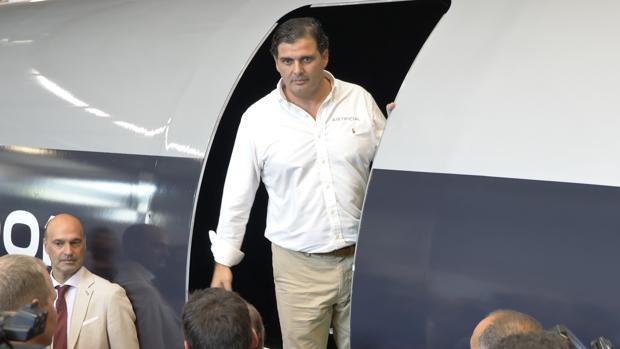 Rafael Contreras, presidente de Airtificial, durante la presentación de la cápsula del tren del futuro