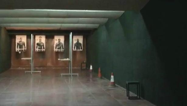 Los agentes denuncian que apenas hacen prácticas de tiro a pesar de tener en la Jefatura una buena galería donde realizar la instrucción.