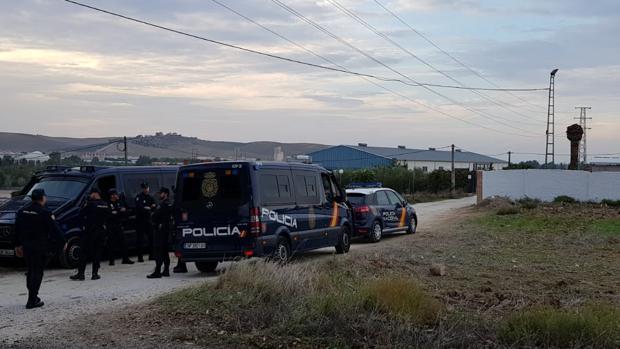 La Policía Nacional permanece custodiando la casa donde se produjeron los hechos