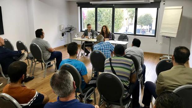Reunión propiciada por el PSOE entre la Junta y los clubes deportivos.