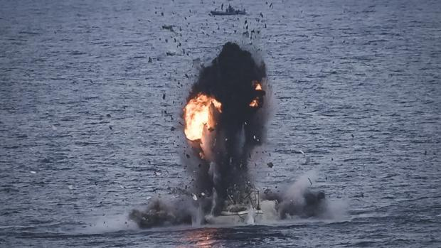 Imagen de la destrucción del ballenero pirata.
