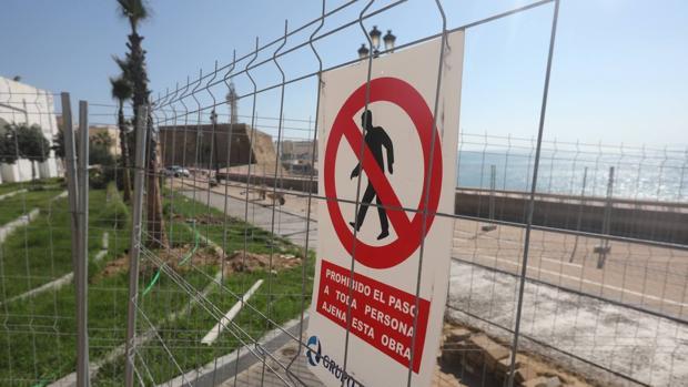 El carril bici en todo el frente litoral hasta Cortadura estará acabado antes de verano