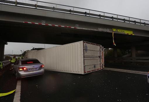 Imágenes del accidente esta mañana en Puerto Real