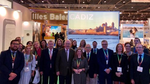 El stand de Cádiz, con autoridades y empresarios