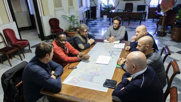Reunión en 2017 con los chiringuitos que solicitaron abrir todo el año