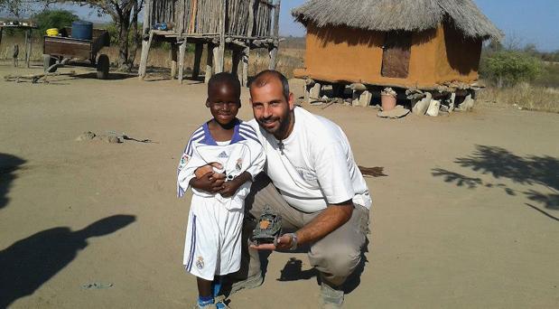 Manuel Ogalla, misionero en Zimbabwe