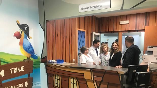 El hospitalPuerta del Mar ha acondicionado la decoración de la zona de urgencias de pediatría a sus visitantes.