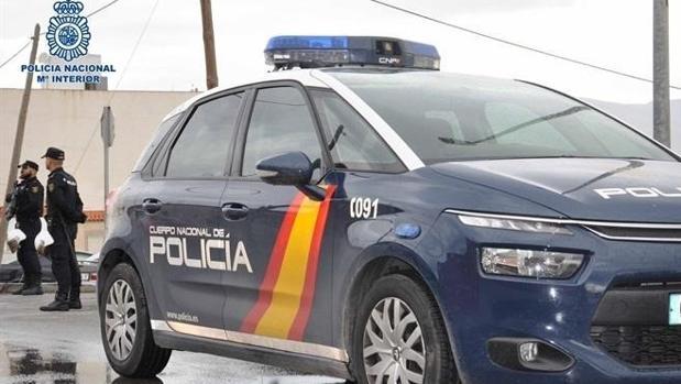 La Policía detuvo a una pareja en Dos Hermanas.