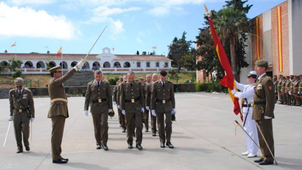 Jura de bandera de reservistas voluntarios en Camposoto.