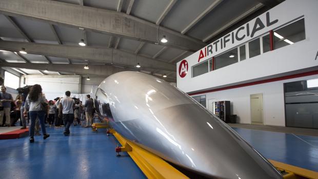 Imagen de la cápsula del tren del futuro, presentada en El Puerto.