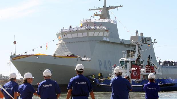 Botadura de un BAM de la Armada en San Fernando
