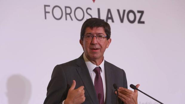 Juan Marín durante su intervención en el foro La Voz de Cádiz.