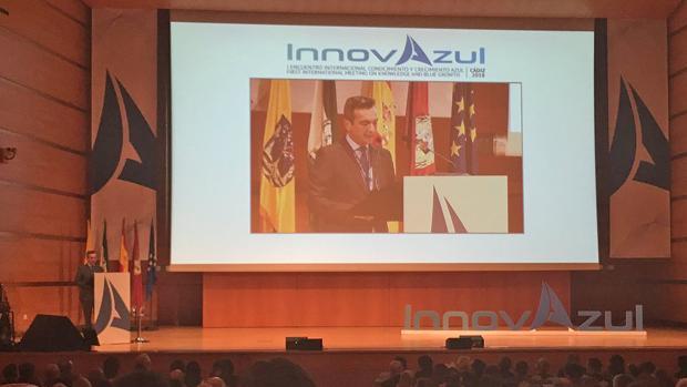 Eduardo González Mazo, rector de la Universidad de Cádiz, abre el acto Innovazul.