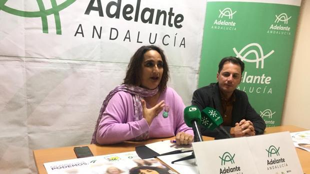 La candidata de la coalición de izquierdas por Cádiz, Ángela Aguilera, ha incidido en «acabar con 37 años de 'susanismo'»